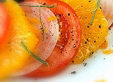 Ensalada de naranjas y tomates