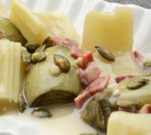 Receta de verduras de invierno con jamón y pipas de calabaza