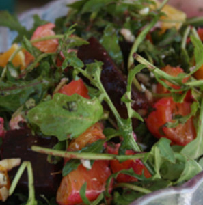 Receta de ensalada de berros y tomates con tocineta ahumada
