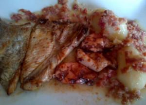 Receta de bonito y chipirones con salsa de jamón