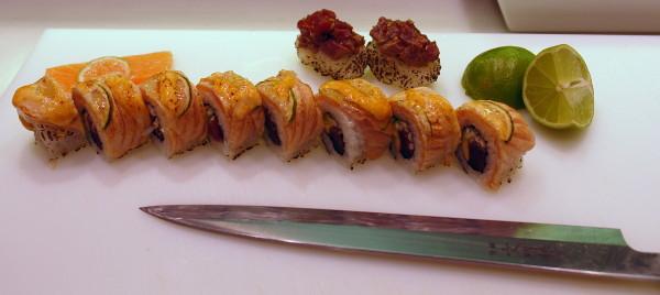 Rolls de atún y salmón gratinados