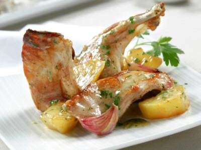 Receta de conejo al ajillo con patatas