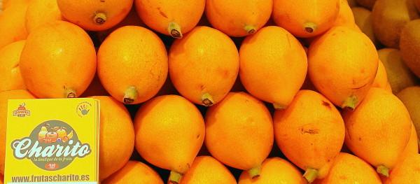 Sabrosos Nísperos seleccionados para Frutas Charito