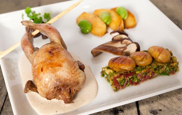 Codornices asadas con foie gras de pato