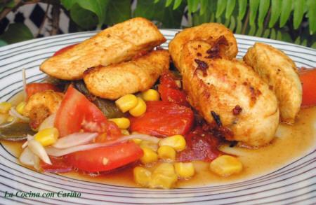 Ensalada de pollo adobado con pimientos asados