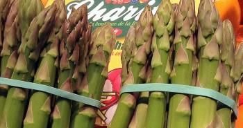 Espárragos de temporada en Frutas Charito