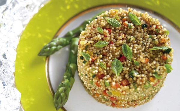 Semillas de quinoa con vegetales