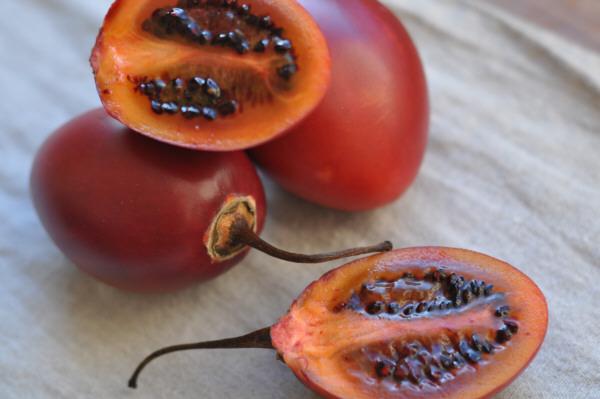 propiedades del tomate de arbol tamarillo